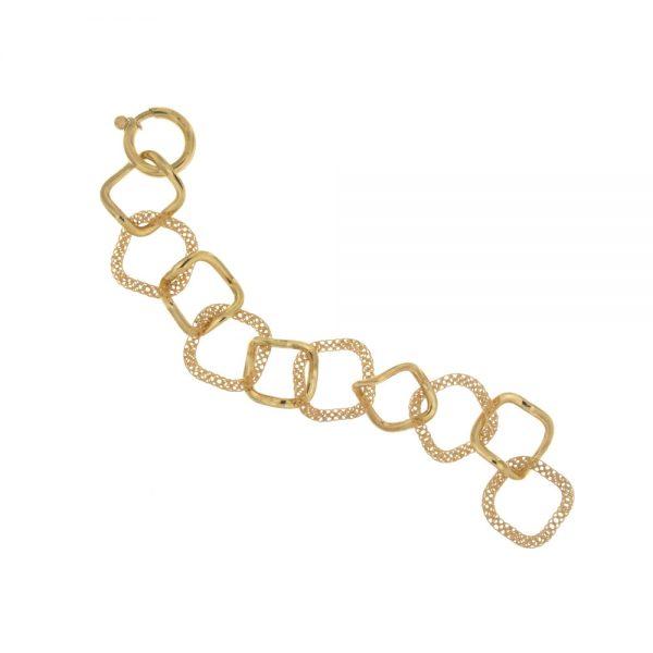Bracelet in yellow gold.