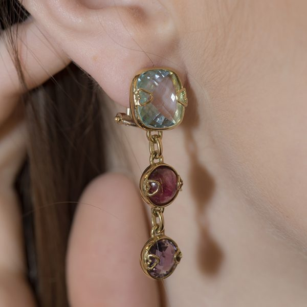 Drop earrings in yellow gold with stones